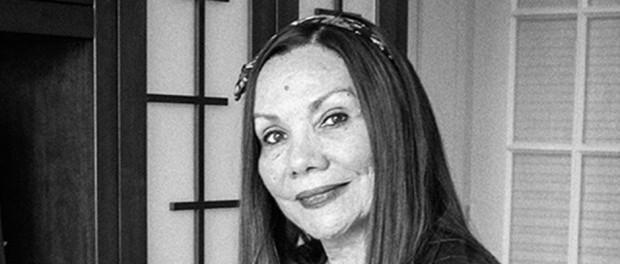 Roxana Orué reseña de «Viajando por precipicios», de Gloria Macher