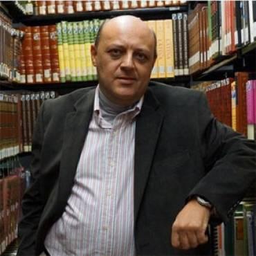 Entrevista con Ángel Esteban y «La estirpe de Babel»