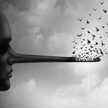 La Mentira. Entrevista a Miguel Catalán